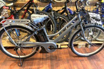 """<span class=""""title"""">チャイルドシートの取り付けもできる電動自転車 ヤマハ PASS RIN</span>"""